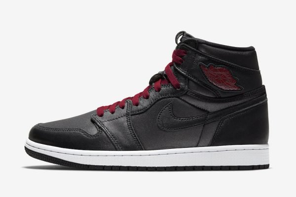 Air Jordan 1 Retro Hi Black Gym Red Black1