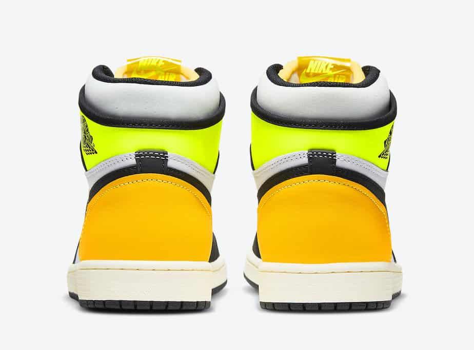 Air Jordan 1 'Volt Gold' 555088-118 4