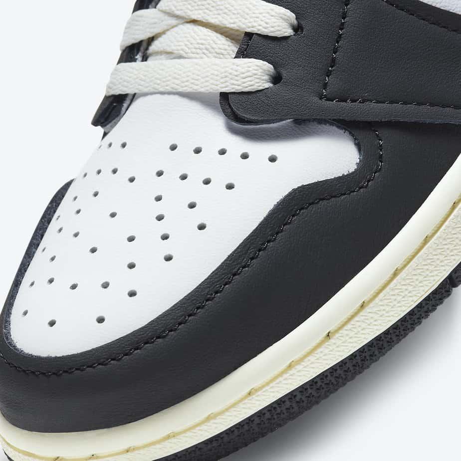 Air Jordan 1 'Volt Gold' 555088-118 6