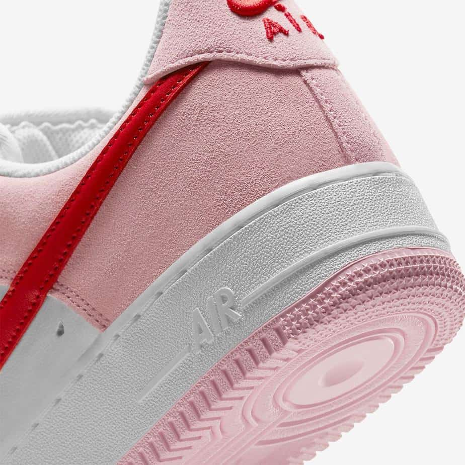 Nike Air Force 1 Low 'Valentines Day' DD3384-600 9
