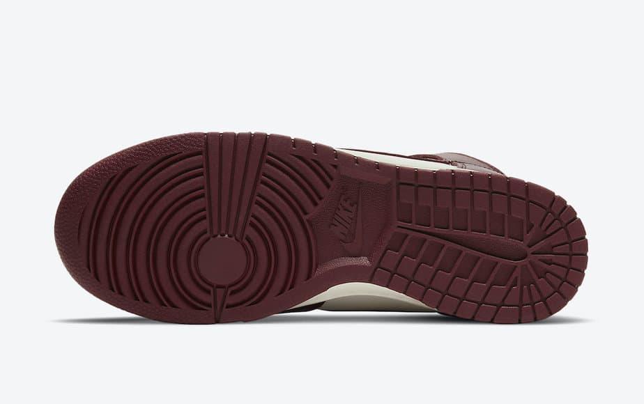 Nike Dunk Hi 'Team Red' DD1869-101 5